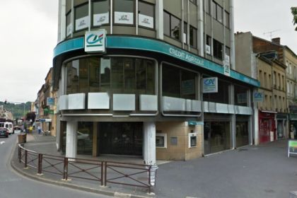 CREDIT AGRICOLE POINT CENTRAL - Assurances / Banques / Immobilier  Charleville-Mézières